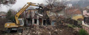 Metruk Bina kaçak bina yıkımı
